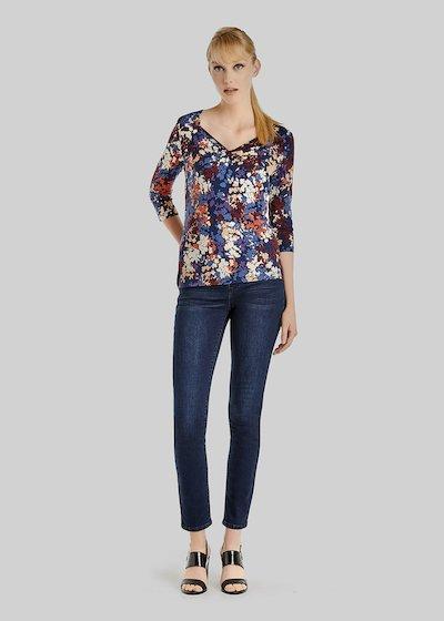 T-shirt Shakyra in jersey floral fantasy e scollo a V