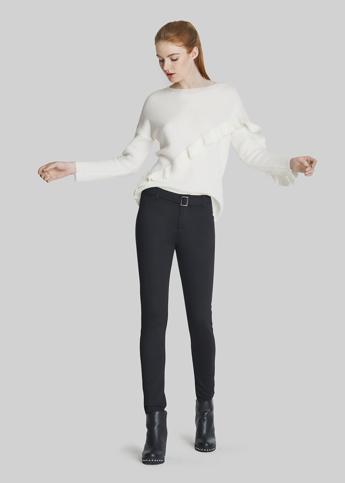 Mike sweater with asymmetric ruffle