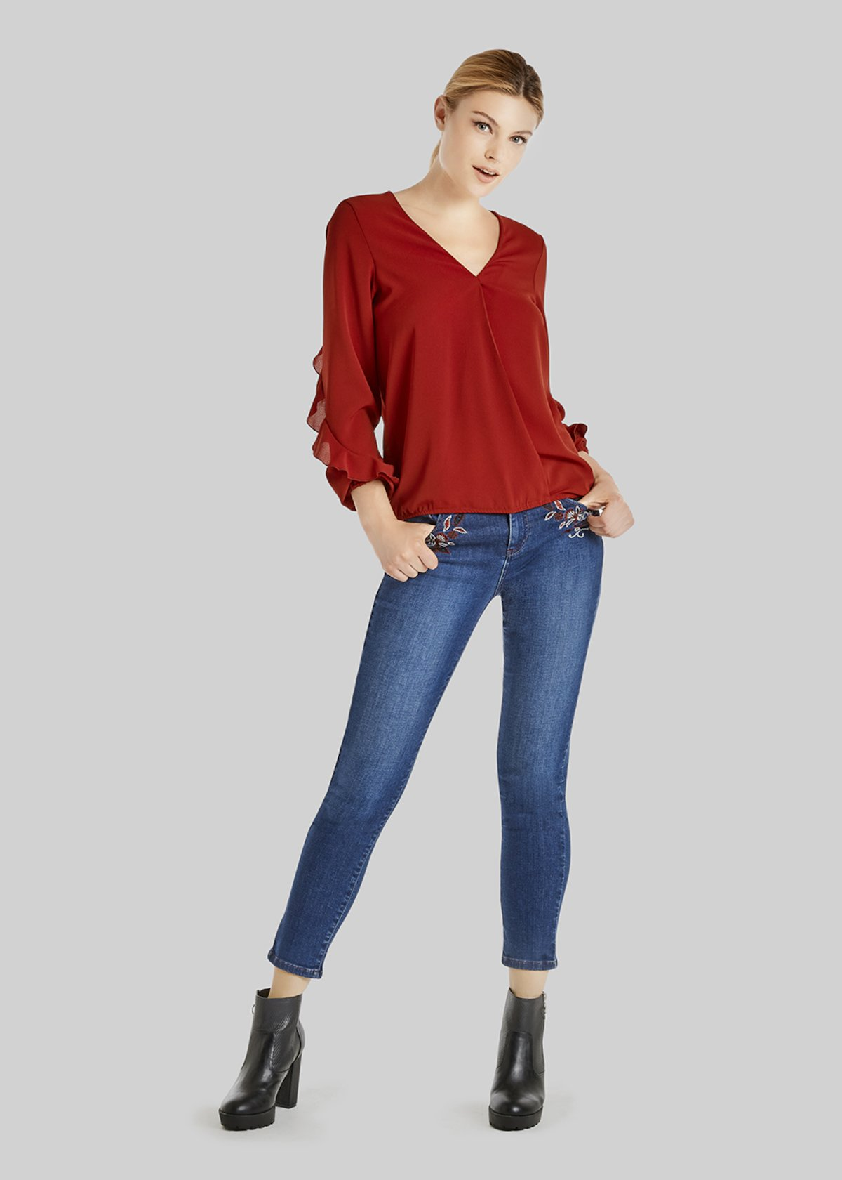 Clarissa blouse with ruffles on the sleeves - Bordeaux - Woman - Category image