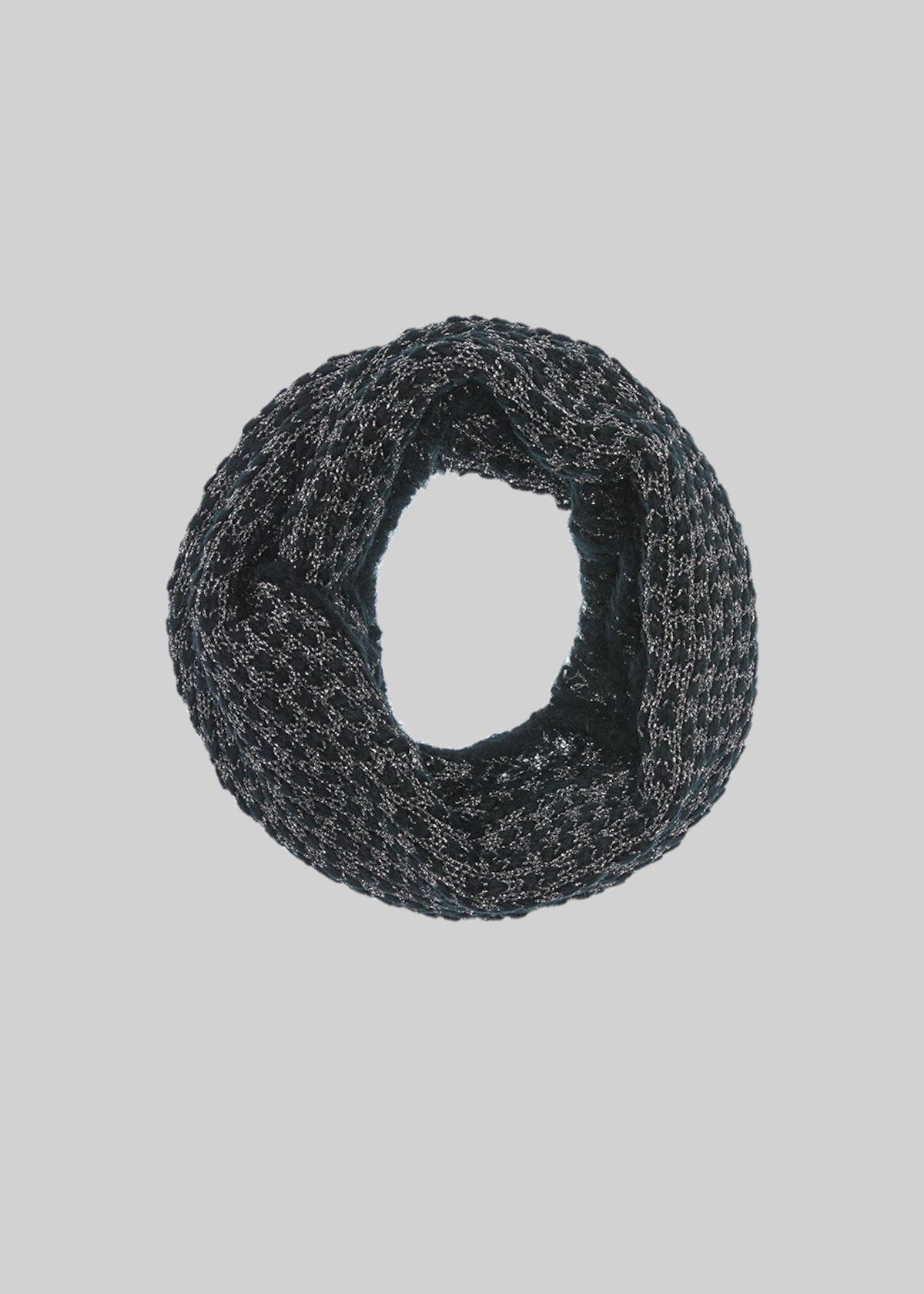 Soray collar with lurex yarn