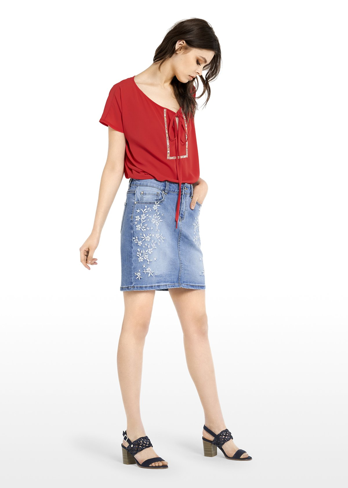bd53e0c0fd Gecky denim skirt with embroidered flowers