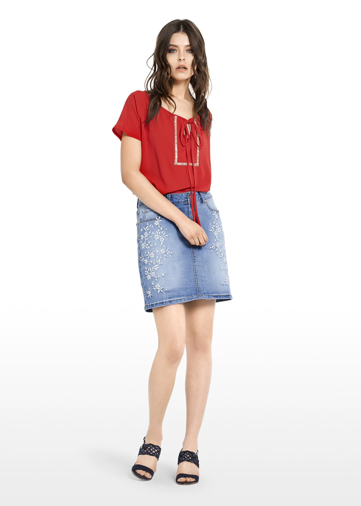 Gecky denim skirt with embroidered flowers - Light Denim - Woman