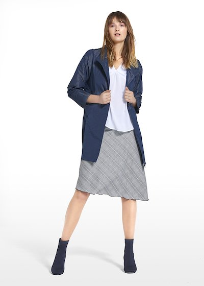 Coat Trendy in shantung fabric with high collar