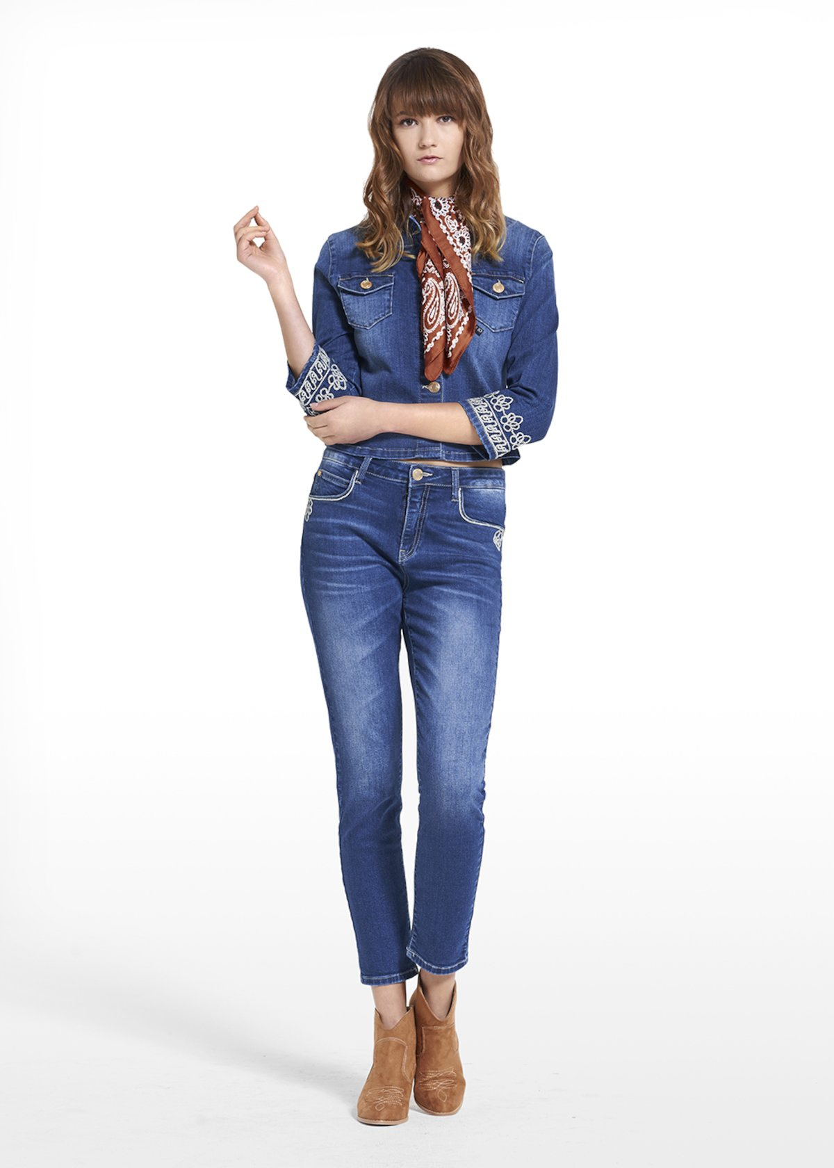 Jacket Gady in denim with a bottom sleeve embroidery - Dark Denim - Woman
