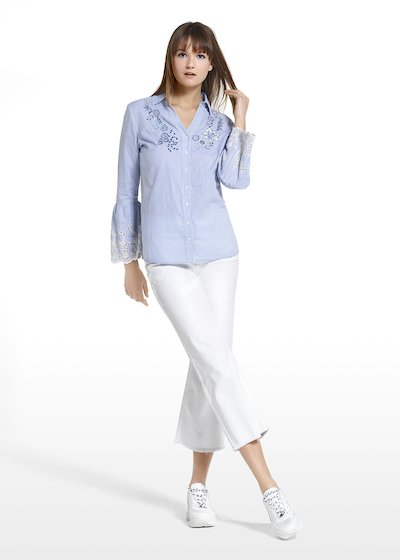 Colby blouse with flower embroidery at the neckline