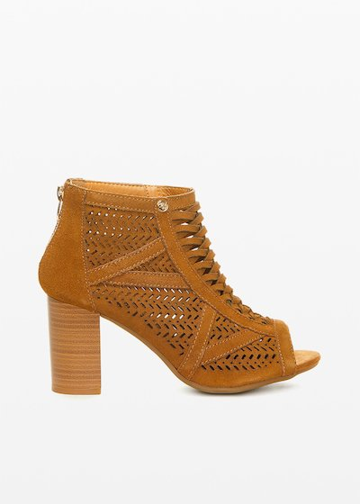 Real cow suede Sharyl shoes perforated design