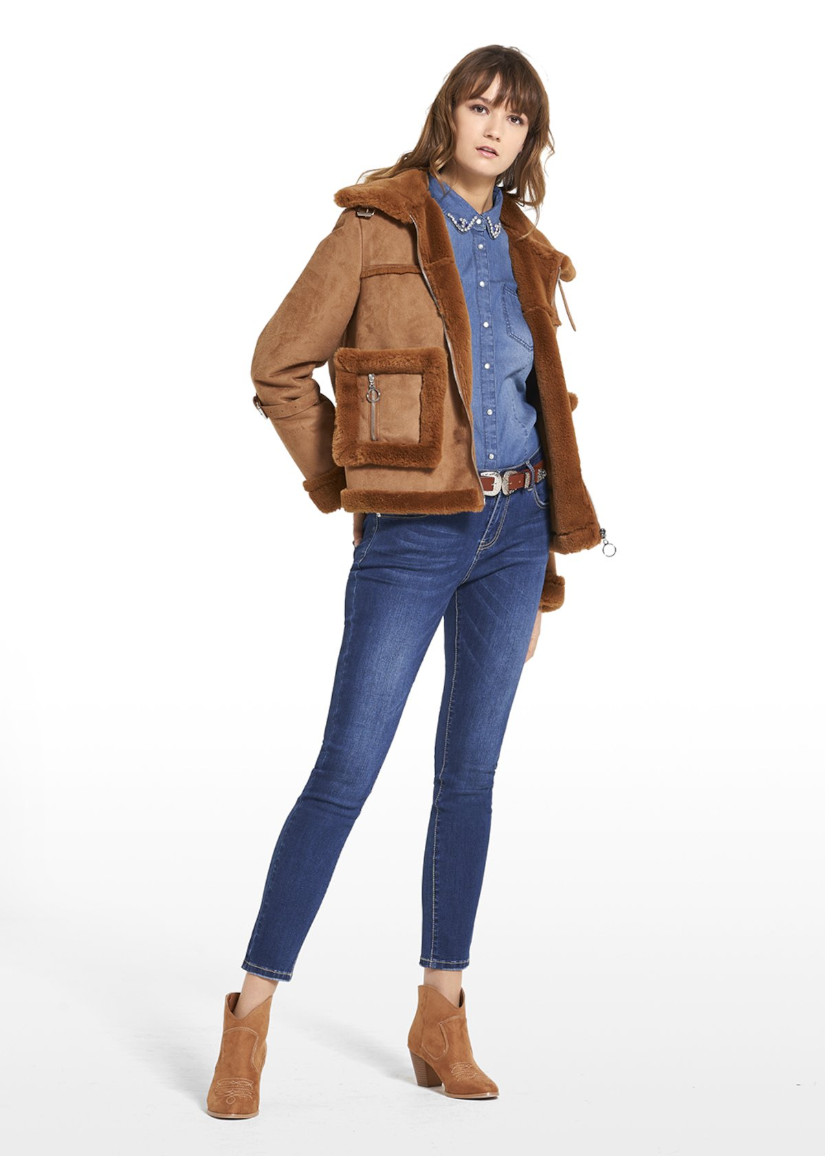 Jacket Gail in fake fur with collar and central zipper - Lion