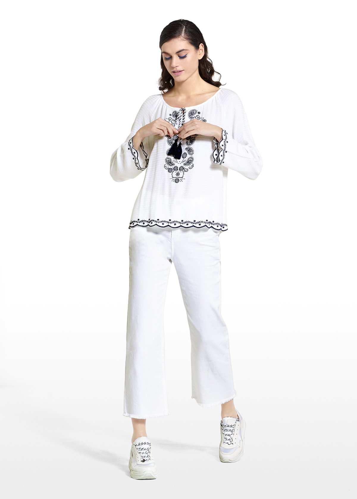 Churl blouse with central embroidery - White - Woman