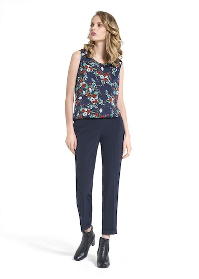 Top Ted with romantic floral pattern