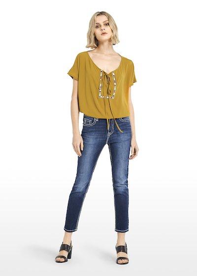 T-shirt Taribo con fiocchetto e passamaneria multicolor con strass crystal