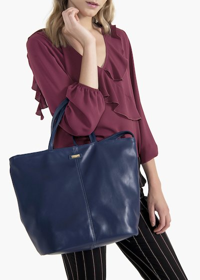 Bailee shopping bag in eco leather with nappa effect