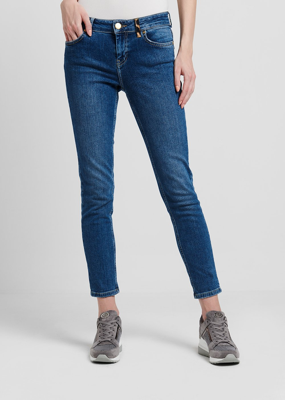 5-pocket skinny medium blue denim