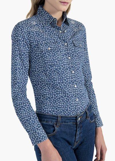 Caren shirt in stretch denim all over print