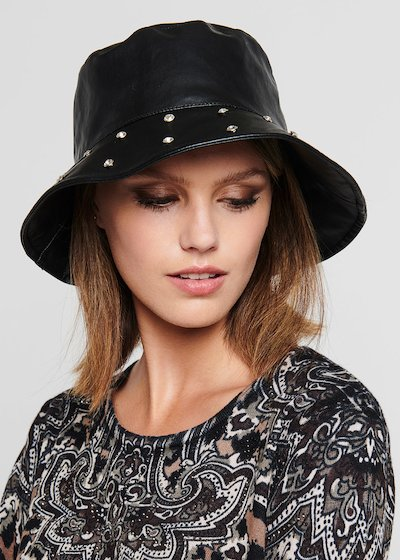 Coulis hat with crystals