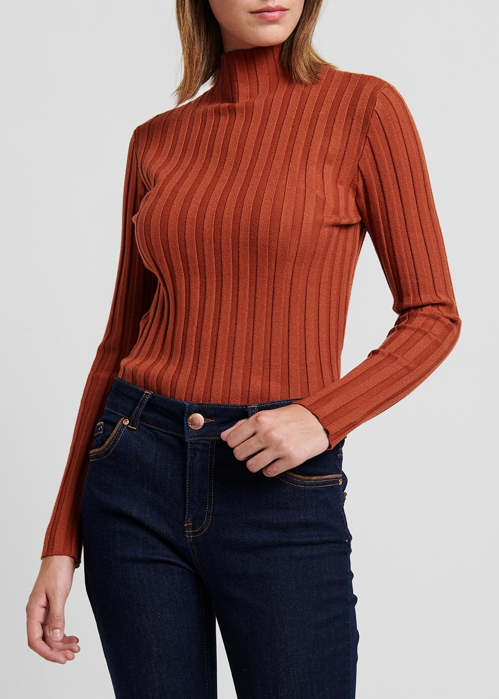 Rust - colored turtleneck sweater with ribs - Ruggine - Woman