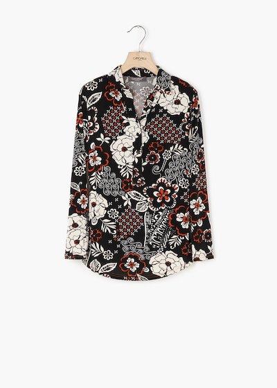 T-shirt Paola con collo camicia e tasche con pattine