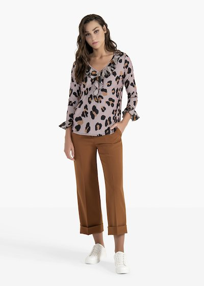T-shirt Teresa con rouches allo scollo e al fondo manica