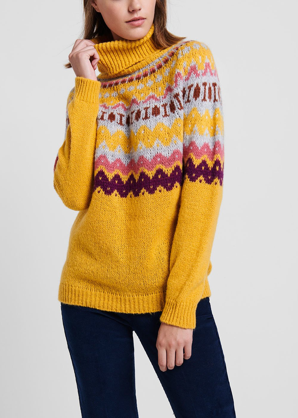 Turtleneck corn coloured sweater with Norwegian pattern