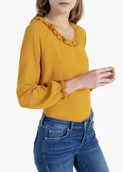 Sabina T-shirt with round neckline and rouches
