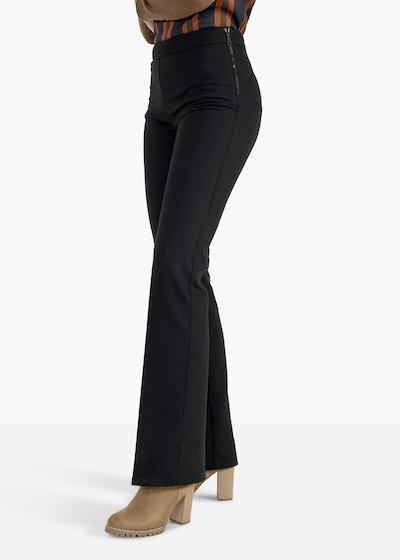 Pantaloni Victoria in tessuto tecnico a zampa