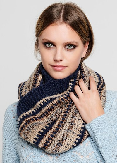 Sasha neck warmer with lurex threads