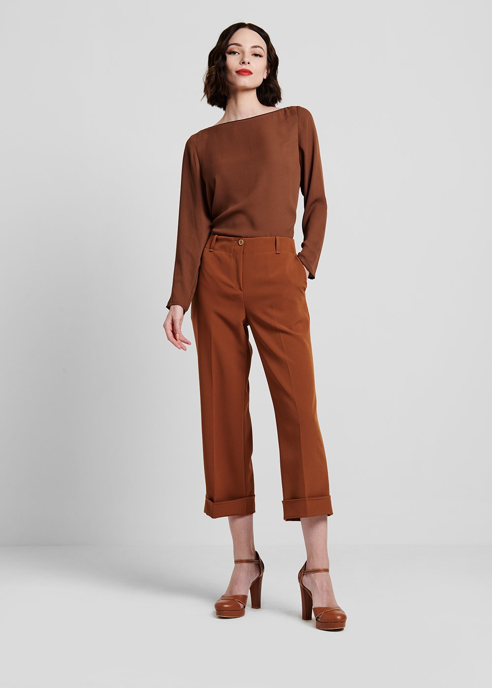Blouse in faux satin fabric with boat neck - Brown - Woman