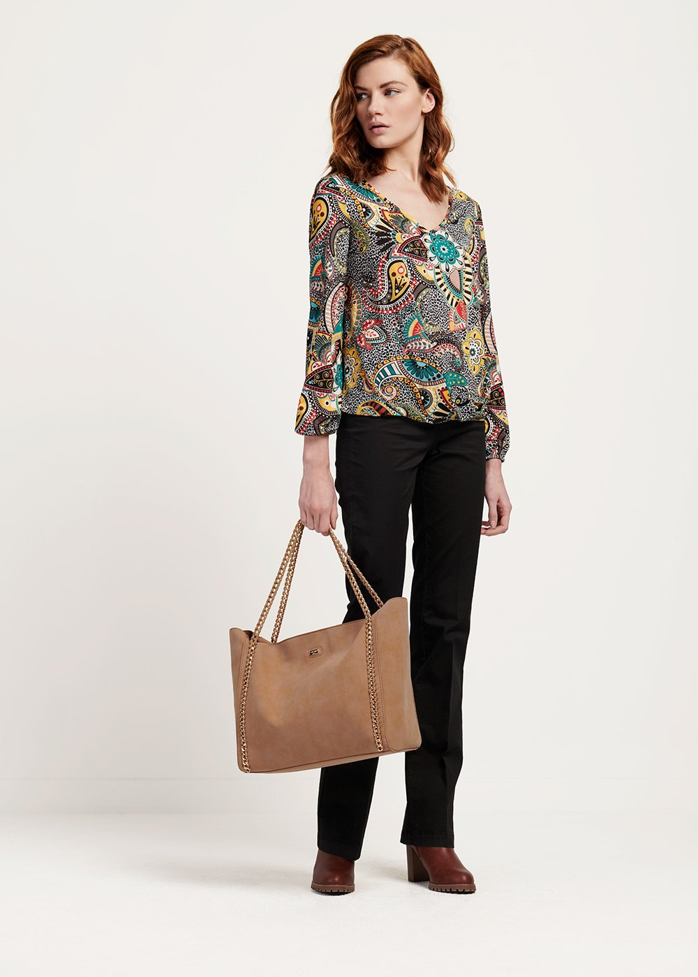 Body shopping bag with chain handle - Doeskin - Woman