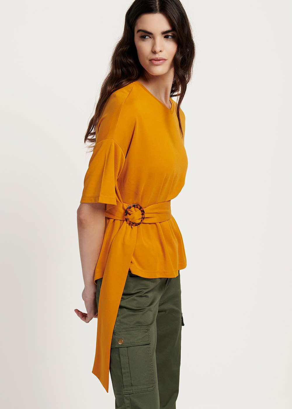 Sindy t-shirt with belt around the waist - Turmeric - Woman