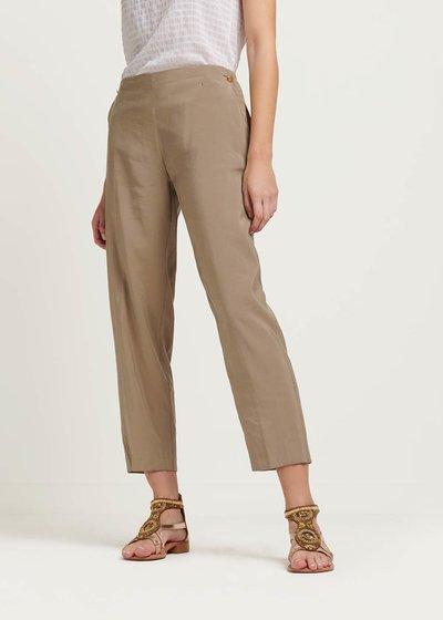 Pantalone modello Cara con bottoncini