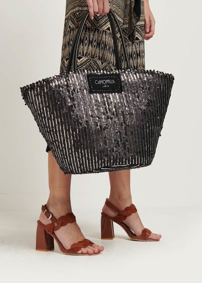 Bail straw bag with sequins