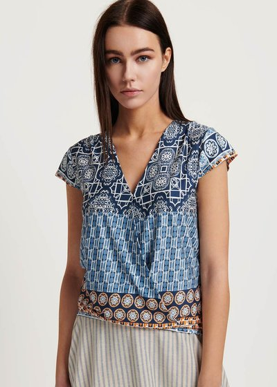 Sidony v-neck patterned t-shirt