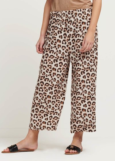 Megan capri pants with spotted print