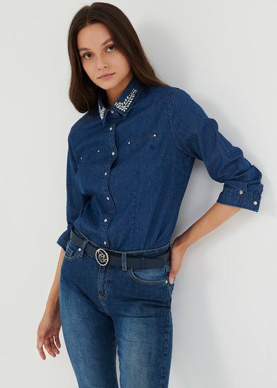 Denim shirt with rhinestones on the collar