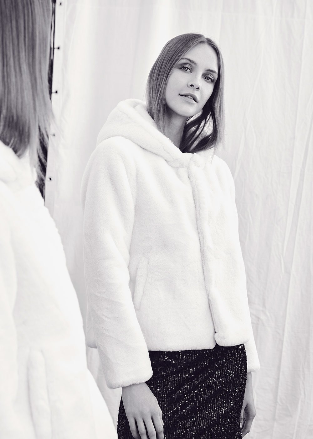Gracy faux fur coat with hood - White - Woman