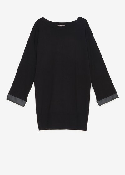 Magic sweater with faux-leather insets