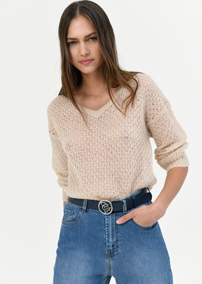 V-neck sweater with geometric stitch