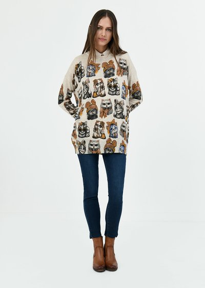 Monique T-shirt with cat print