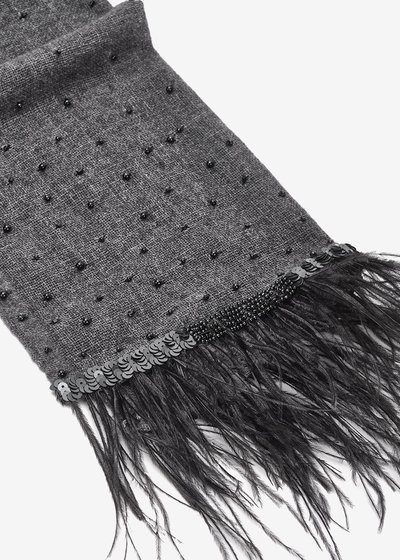 Sibilla scarf with feathers on hem