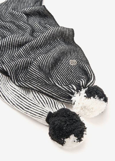 Sharry scarf with pompom on hem