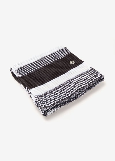 Sharen two-tone black and white scarf