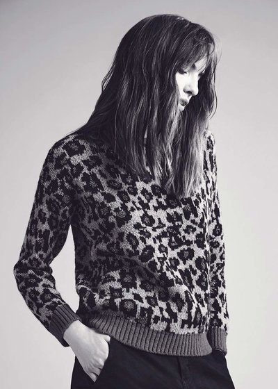 Mila sweater with spotted pattern