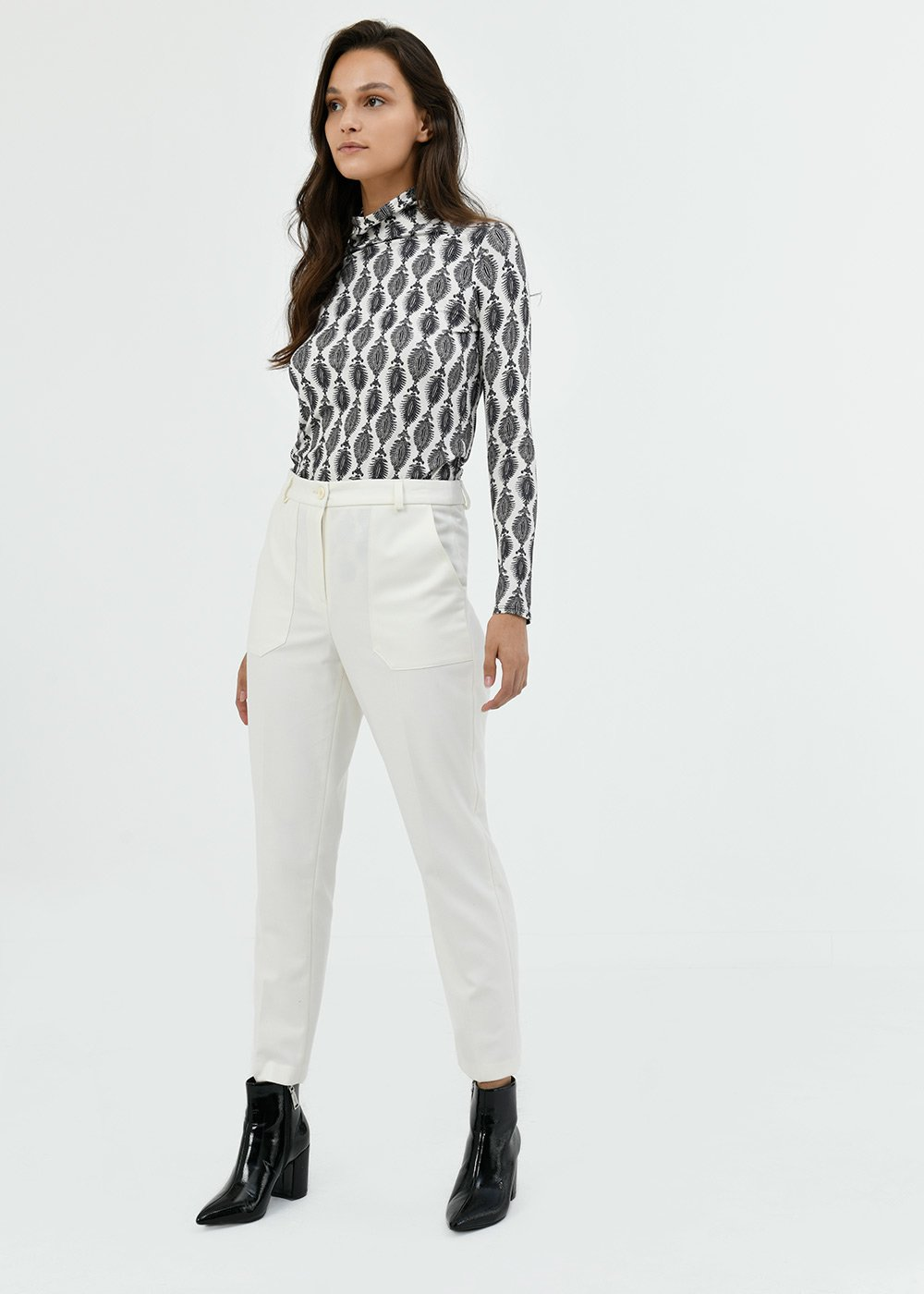 Lara trousers with patch pockets - White - Woman