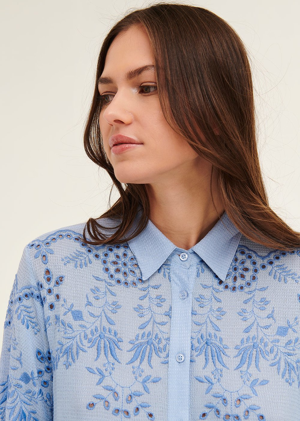 Crissy shirt with thread embroidery - Blue sky - Woman