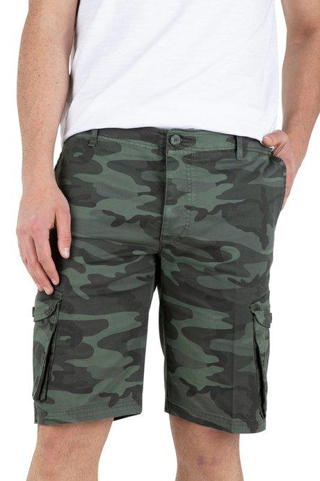 Cargo shorts camo pattern