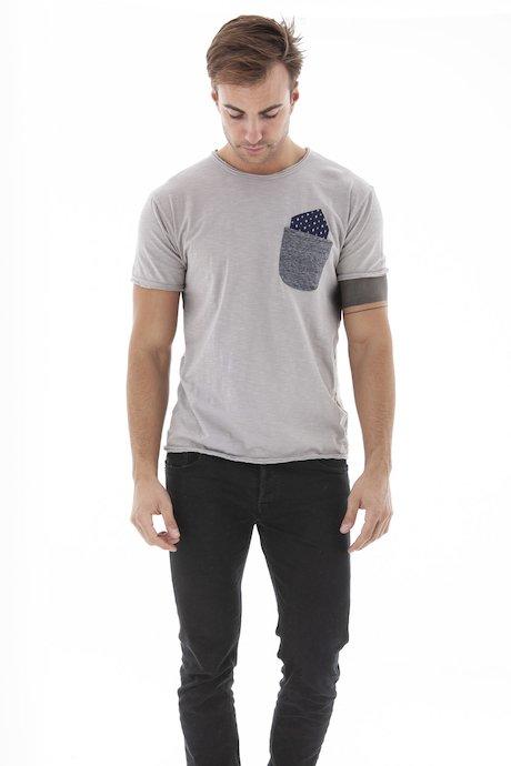 T-shirt con Taschino e Patch