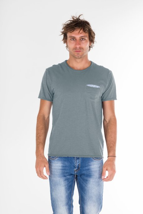 T-shirt con Taschino con patch a Fiori