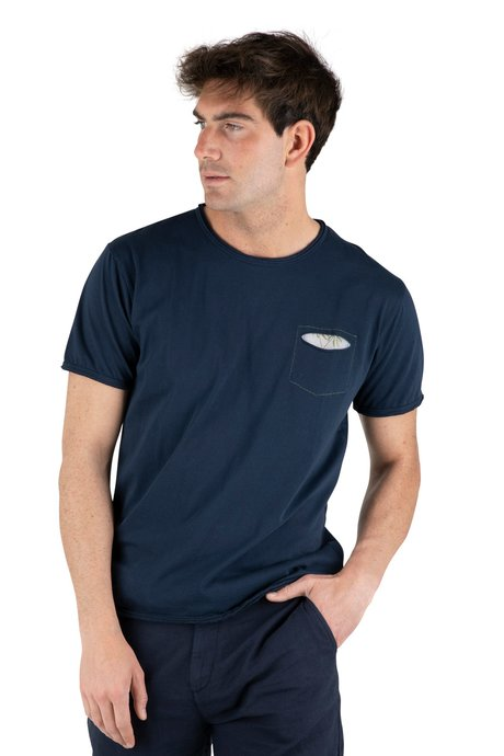 T-shirt palms patch