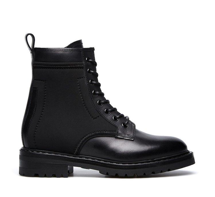 Полностью черные ботинки-мартинсы Barracuda
