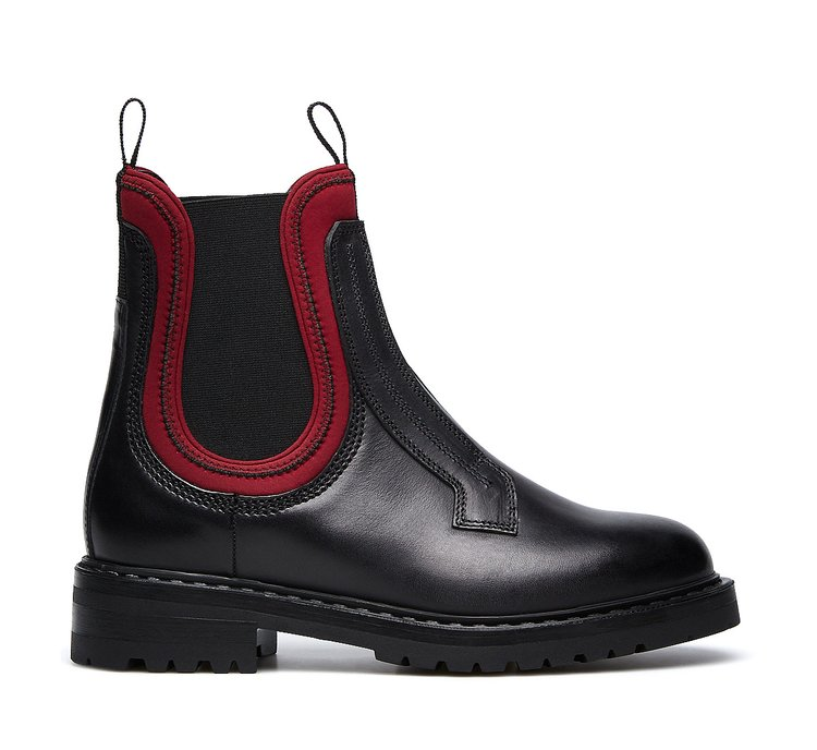 Barracuda all-black Beatle boots