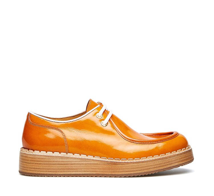 Barracuda lace-ups in exquisite calfskin